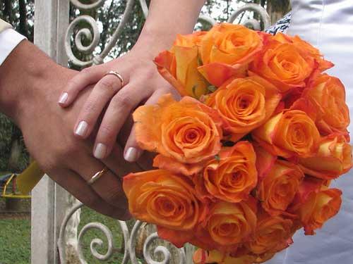 buquê de rosas laranjas